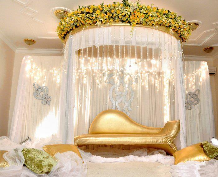 Budget less wedding stage tips in 2016 wedding trends mag for American wedding stage decoration