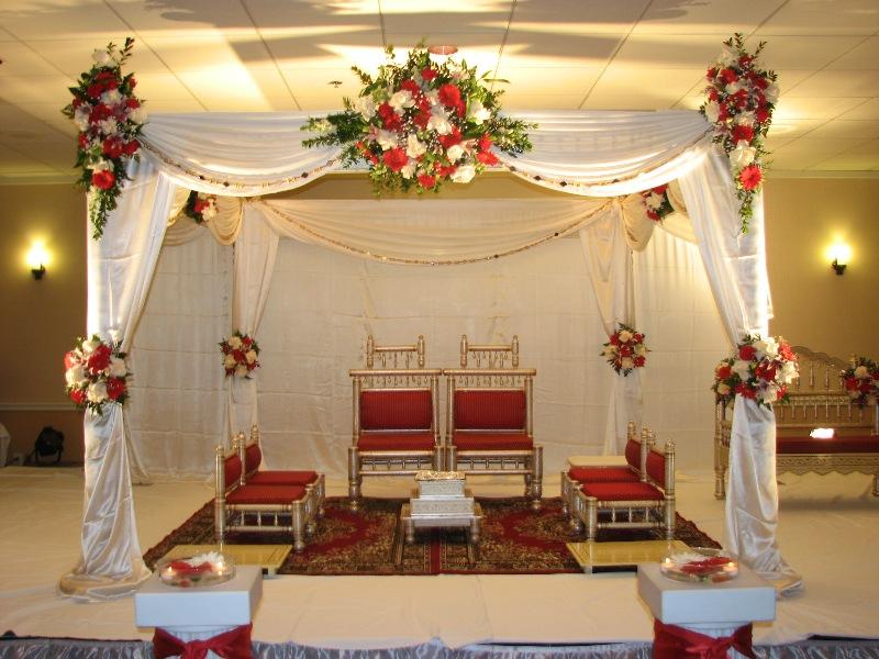 Elegant Indoor Wedding Decor